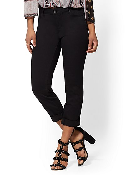 Black Curvy Crop Boyfriend Jeans - New York & Company