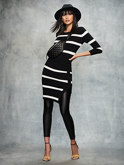 Black & White Stripe Sweater - New York & Company