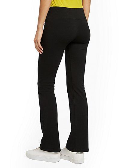fcfeaa7722 Yoga Clothes for Women | Yoga Outfits | NY&C