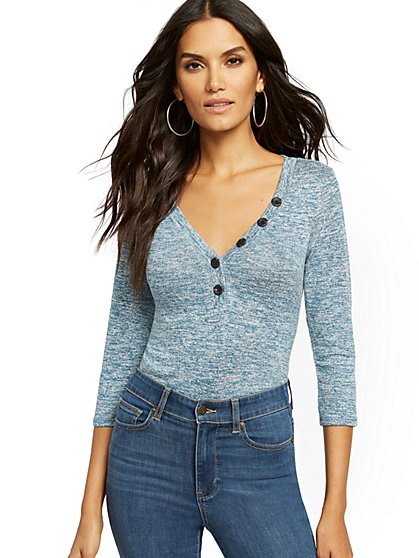 Buttoned V-Neck Henley Top - New York & Company