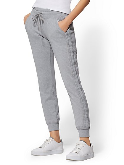 Cable-Knit Trim Jogger Pant - Soho Street - New York & Company