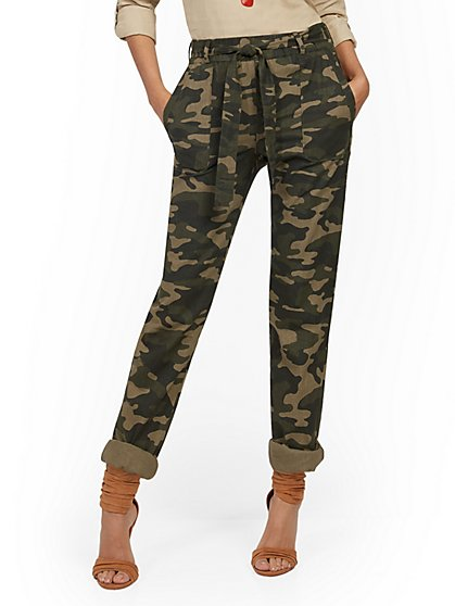 Camo Linen Belted Boyfriend Pant - New York & Company