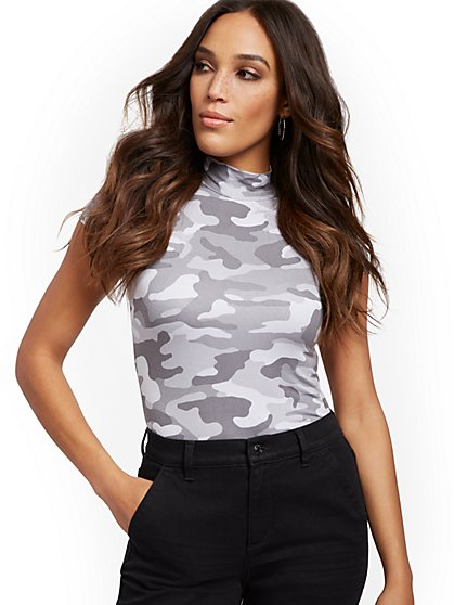 Camo-Print Mock-Neck Tee - New York & Company