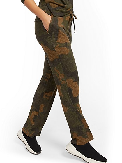 Camo Super-Soft Knit Wide-Leg Pant - Soho Street - New York & Company