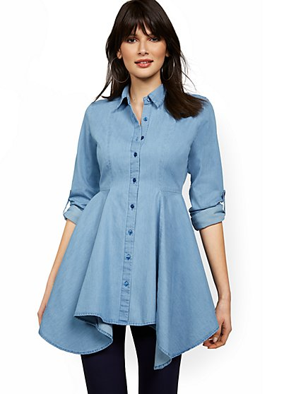Chambray Sharkbite-Hem Tunic Top - New York & Company