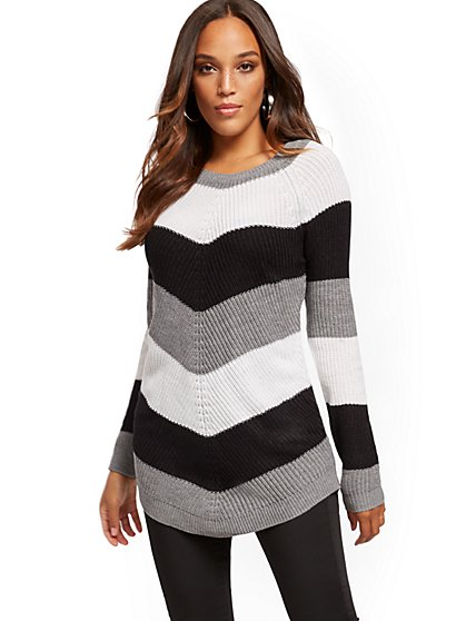 Chevron-Stripe Sweater - New York & Company