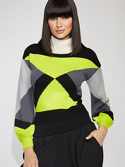 Colorblock Turtleneck Sweater - Gabrielle Union Collection - New York & Company