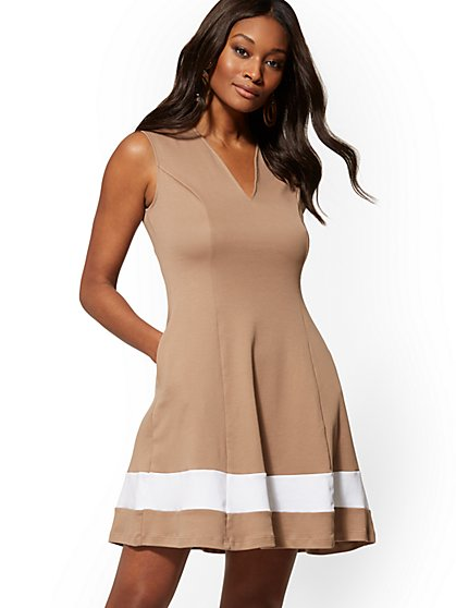 Cotton Colorblock V-Neck Dress - New York & Company