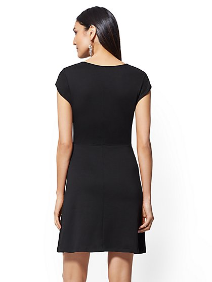 7d588a2ad2 ... Cotton Lace-Up V-Neck Dress - New York   Company ...