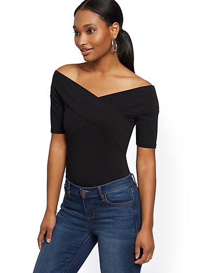 Crisscross Elbow-Length Sleeve Top - New York & Company