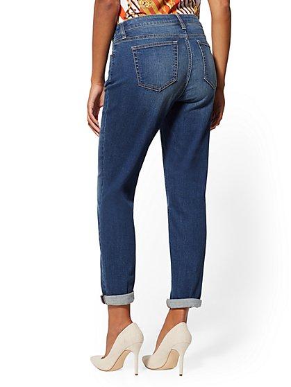 685028c7aa21 ... Curvy Boyfriend Jeans - Soho Jeans - New York   Company