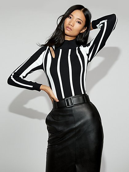 Cutout Turtleneck Sweater - Gabrielle Union Collection - New York & Company