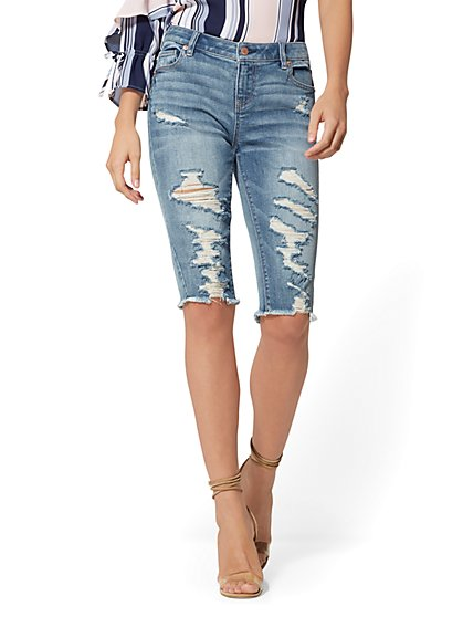 Destroyed 14 Inch Bowery Bermuda Short - Boogie Blue - Soho Jeans - New York & Company