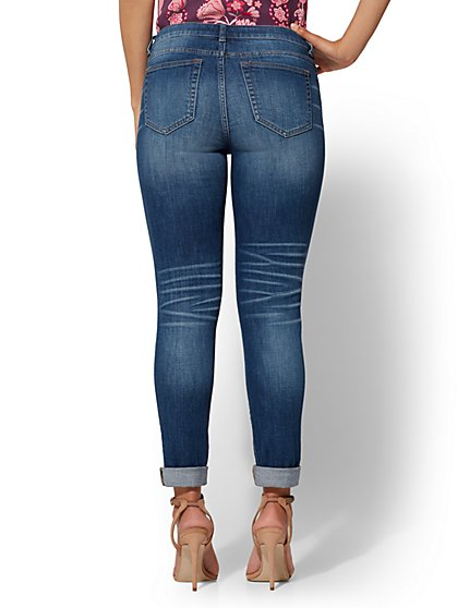 e19c2a5ca13 ... Destroyed Boyfriend Jeans - Soho Jeans - New York   Company