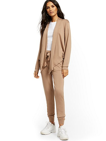Dreamy Fleece Jogger Pant - Soho Street - New York & Company