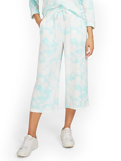 Dreamy French Terry Tie-Dye Wide-Leg Capri Pant - New York & Company