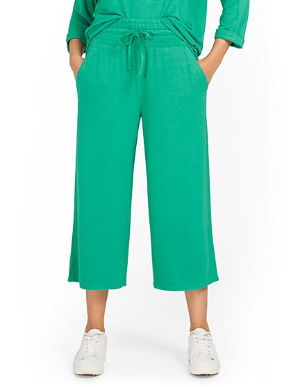 Dreamy French Terry Wide-Leg Crop Pant - New York & Company