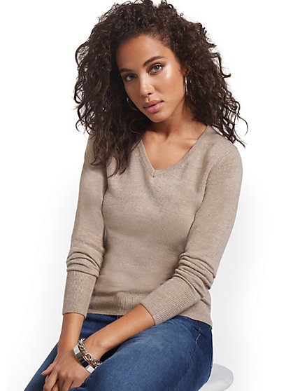 Essential V-Neck Sweater - New York & Company