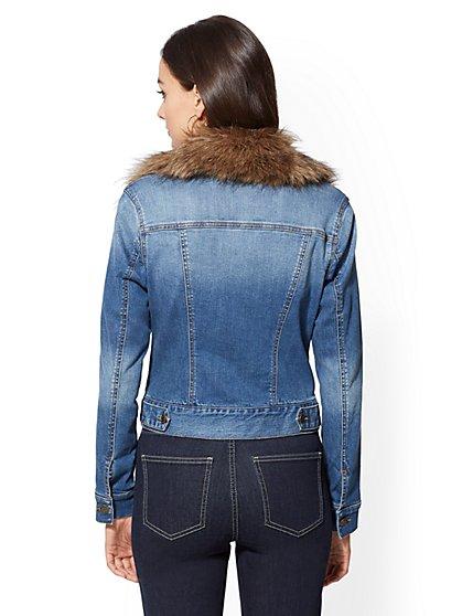 221f8734a926c ... Faux-Fur Collar Denim Jacket - New York   Company