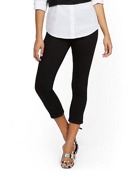 Feel-Good High-Waisted No Gap Pull-On Super-Skinny Capri Jeans - Black - New York & Company