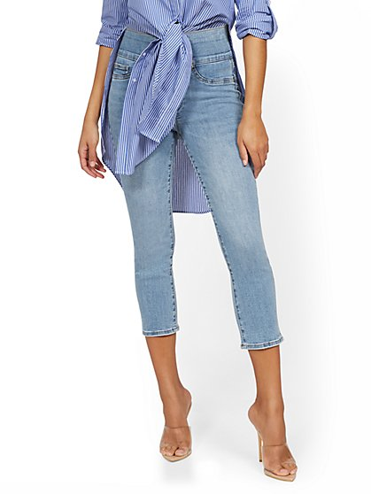 Feel-Good High-Waisted No Gap Pull-On Super-Skinny Capri Jeans - Rivington Blue - New York & Company