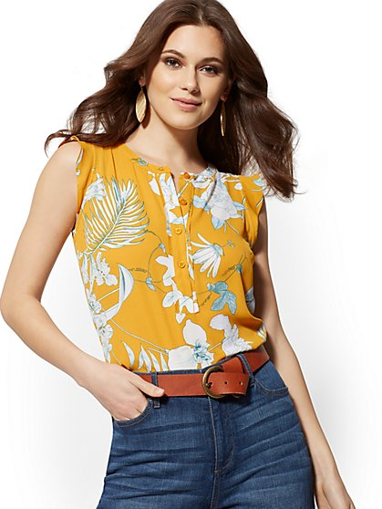 Floral Flutter-Sleeve Blouse - Soho Soft Shirt - New York & Company