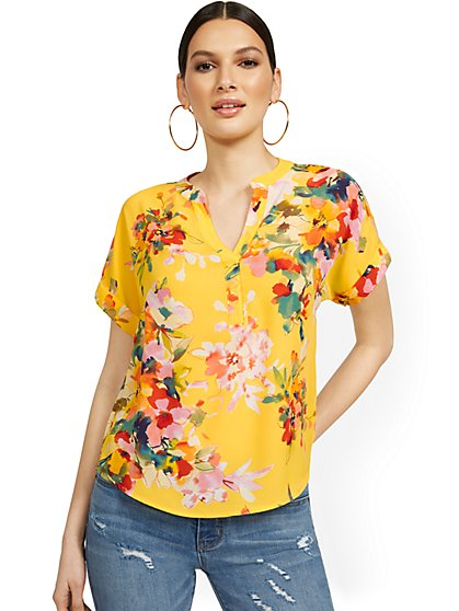 Floral-Print Short-Sleeved Split-Neck Pullover Top - New York & Company