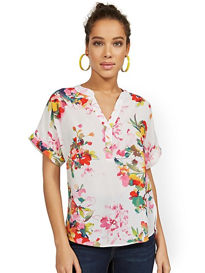 Floral-Print Short-Sleeved Splitneck Pullover Top - New York & Company