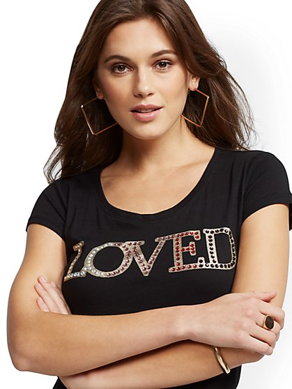 "Glittering ""Loved"" Graphic Logo Tee - New York & Company"