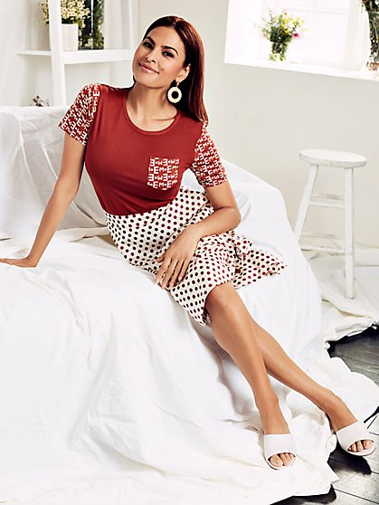 Graphic Logo Tee - Eva Mendes Collection - New York & Company