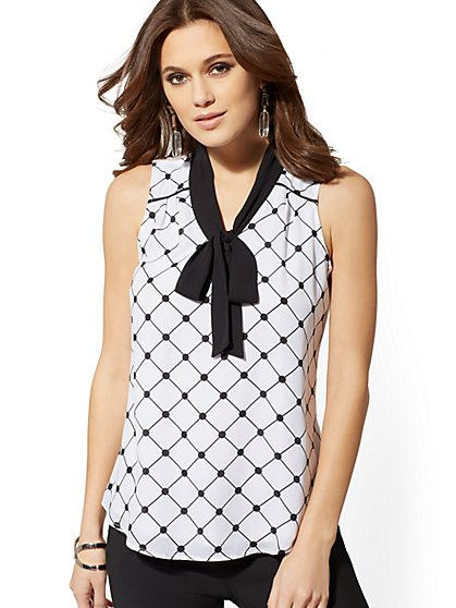 Graphic-Print Bow-Accent Sleeveless Top - New York & Company