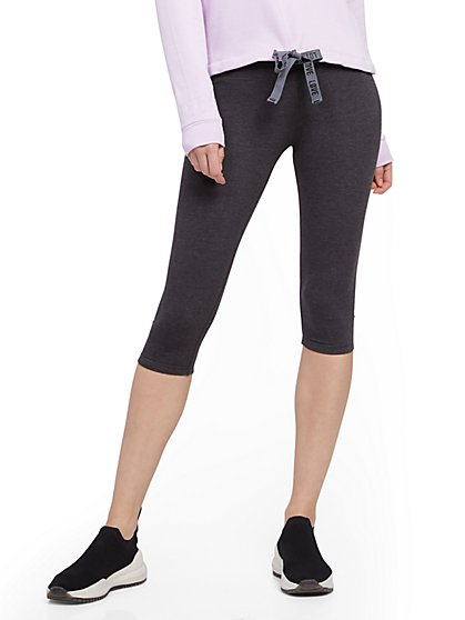 Grey High-Waisted Knee-Length Pocket Legging - New York & Company