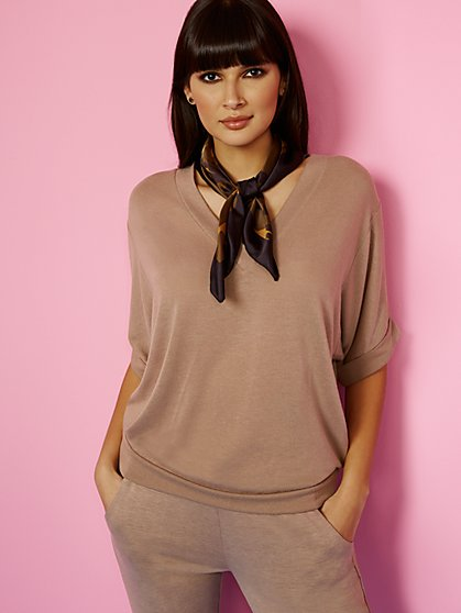 Hacci-Knit V-Neck Top - Sweet Pea - New York & Company
