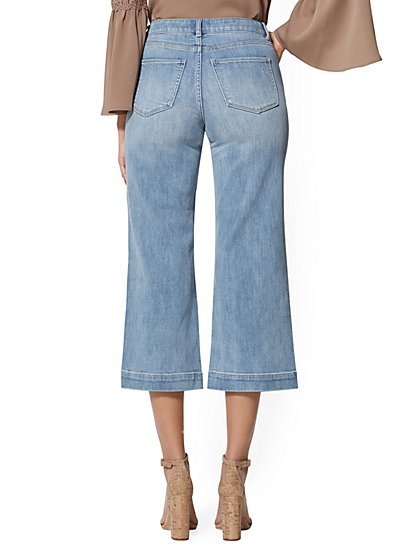 b8959acddf0c7 ... High-Rise Wide-Leg Crop Jean - Blue Respect - Soho Jeans - New