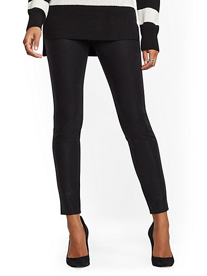 High-Waist Ponte Pull-On Pant - Black - New York & Company