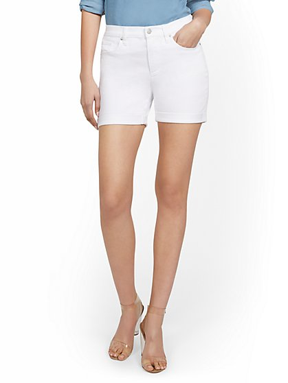 High-Waisted Curvy Boyfriend 5-Inch Jean Short - White - New York & Company
