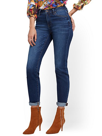 High-Waisted Curvy Boyfriend Ankle Jeans- Foxy Blue - New York & Company