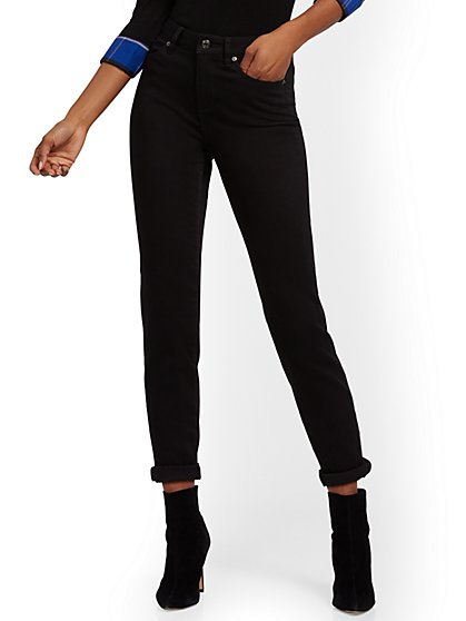 High-Waisted Curvy Boyfriend Jeans - Black - New York & Company