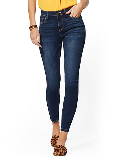 High-Waisted Curvy Super-Skinny Ankle Jeans - Moonlight Blue - New York & Company