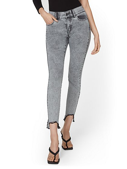 High-Waisted Distressed Acid Wash Skinny Ankle Jeans - New York & Company
