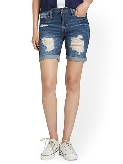 High-Waisted Distressed Rolled-Hem 9-Inch Short - New York & Company