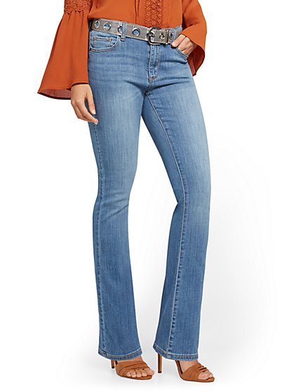 High-Waisted Flare Ankle Jeans - Light Wash - New York & Company