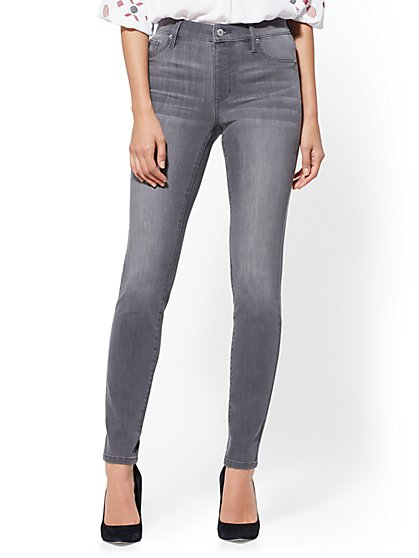 High-Waisted Pull-On Legging - New York & Company