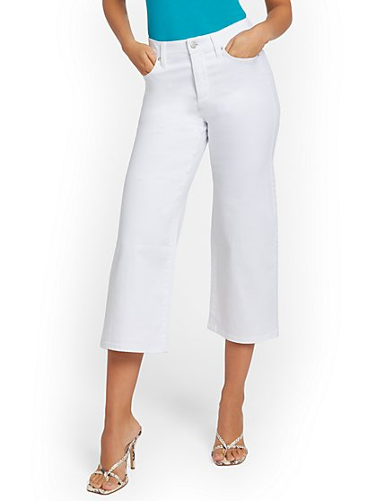 High-Waisted Slimming Wide-Leg Capri Jeans - White - New York & Company