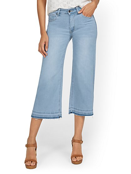 High-Waisted Wide-Leg Capri Jeans - New York & Company