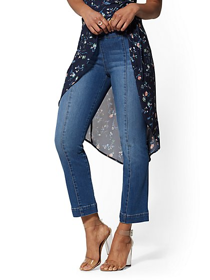 Kick Flare Crop Pull-On Jeans - Medium Blue - Soho Jeans - New York & Company