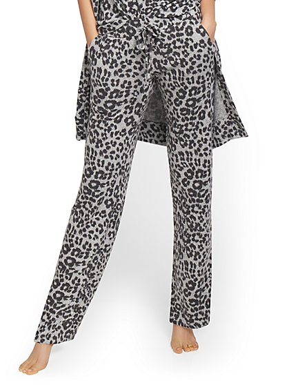 Leopard-Print Super-Soft Knit Wide-Leg Pant - New York & Company
