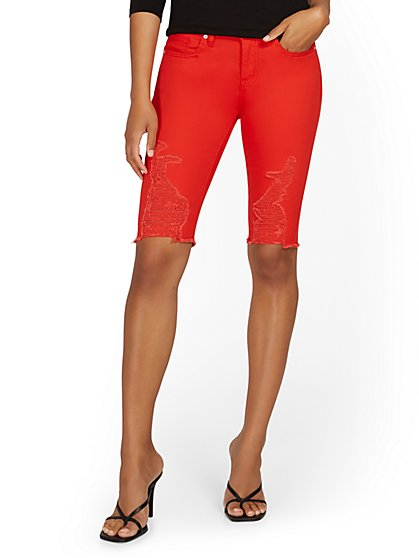 Lexi Mid-Rise 13-Inch Bermuda Short - Red - New York & Company