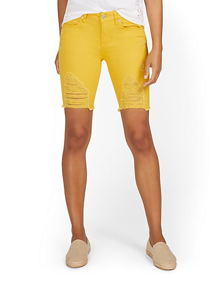 Lexi Mid-Rise 9-Inch Short - Tulip Yellow - New York & Company