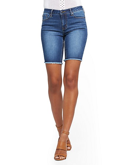 Lexi Mid-Rise 9-Inch Shorts - Brilliant Blue - New York & Company